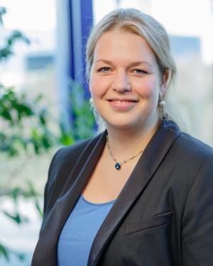 Frau Jennifer Nellessen